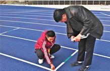亞強體育施工案例:透(tou)氣(qi)跑道施工YQ-003,