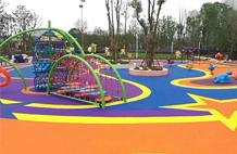 亞強體育施工案例:幼兒園塑(su)膠場地